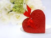 Krabička dárková na cukrovinky - srdíčko ornament červené - 10 KS