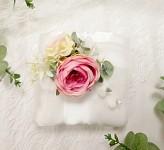 Polštářek saténový bílý s barevnými květy