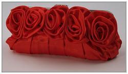 Společenská kabelka - saténová s růžemi - červená