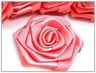 Saténový květ růže - korálově růžový