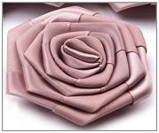 Saténový květ růže - amberleigh