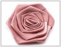 Saténový květ růže - starorůžový
