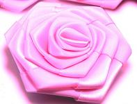 Saténový květ růže - sladce růžový
